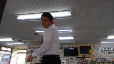 クリーニング経営コンサルタント中西正人(佐伯の活躍、電気取り替え)